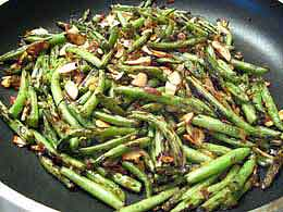 GREEN BEANS ALMONDS